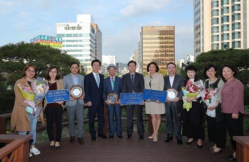 대전시, 도안아이파크아파트 등 올해 공동주택 모범관리단지 3곳 인증패 수여