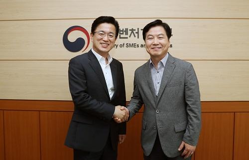 20180629 중소벤쳐기업부 홍종학장관 접견3.jpg