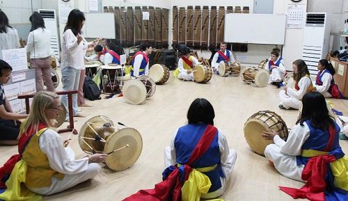 미국 욜로카운티 청소년, 대전 유성에서 한국 전통문화 체험.JPG